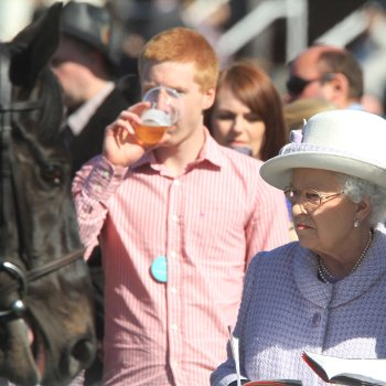 Queen at the Races