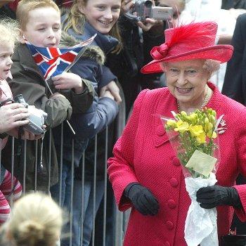 Queen Meeting Children