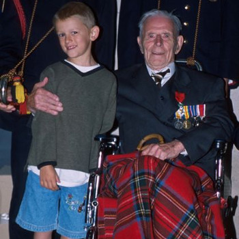 Harry Patch at Menin Gate, Ypres in 2002